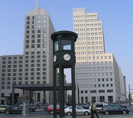 Nachbildung der ersten Verkehrsampel in Deutschland
